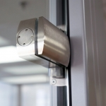 Metal door hinge for glass doors detail