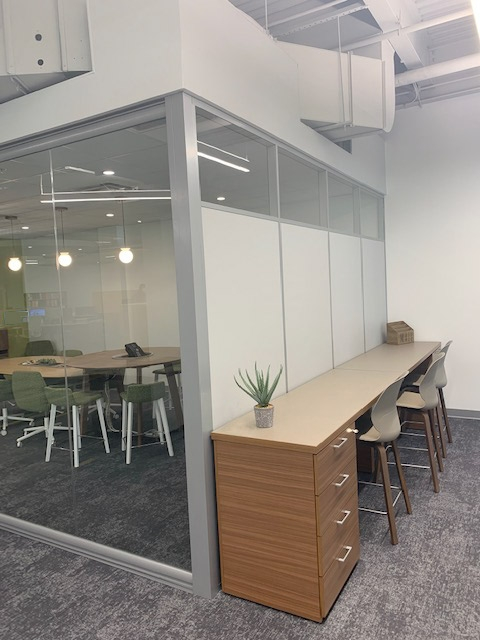 Flex Series - Clerestory Side Walls with View Series - Glass Office Fronts