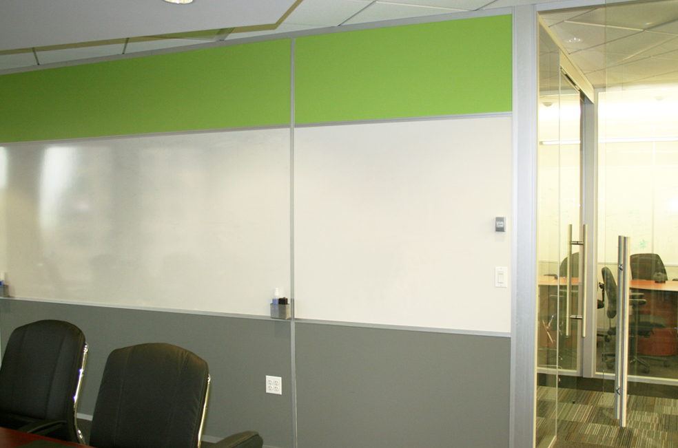 Whiteboard and Two-tone Meeting Room - Flex Series
