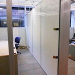 Chicago - solid white non-floor-to-ceiling side walls
