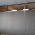 Demising wall with glass clerestory Flex Series