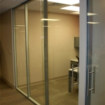 Flex series with sliding c-rail all glass door