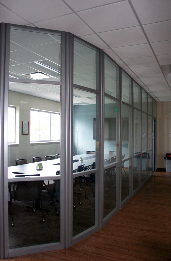 University conference room with curved glass - Flex Series