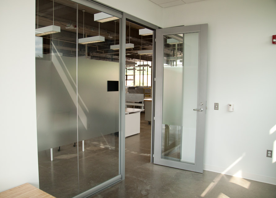 Aluminum Framed Glass Door with Wingback Sidewall View Series