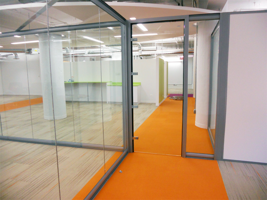 Chicago, IL   Demountable Glass Offices Swing Glass Door (Chicago, IL)