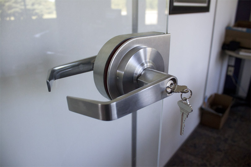 Glass Door Locking Hardware Housing Kit by NxtWall