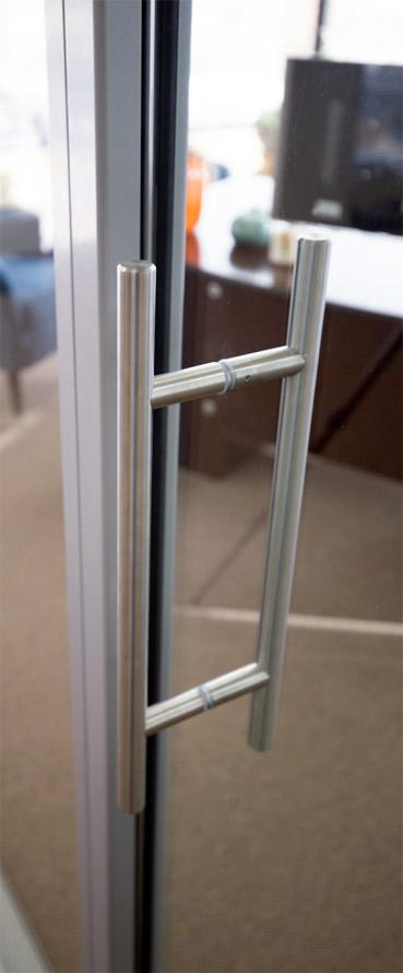 Barpull detail for glass doors