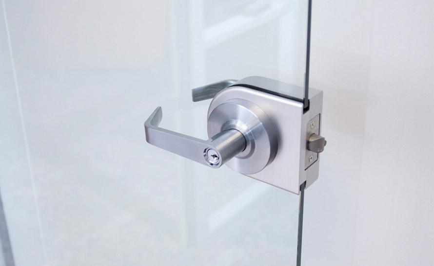 Glass door hardware housing kit for glass doors