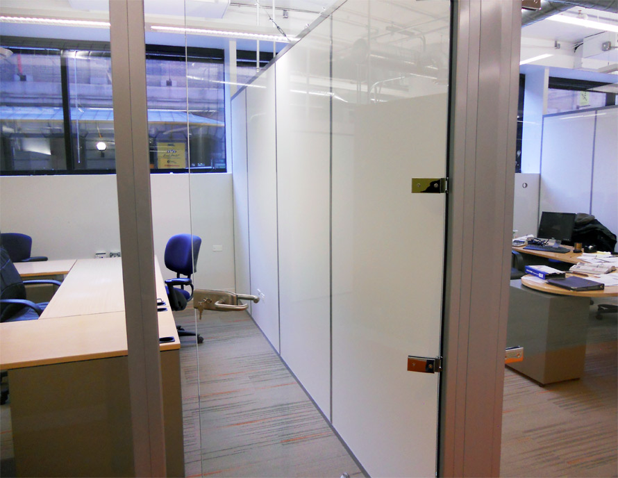 White Solid Panel Sidewall - Chicago, IL