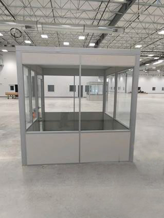 Flex Series freestanding supervisor office