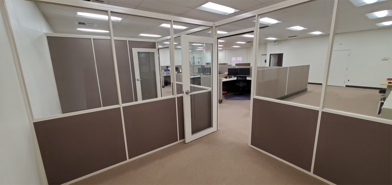 Glass / Fabric Demountable Freestanding Walls - Flex Series