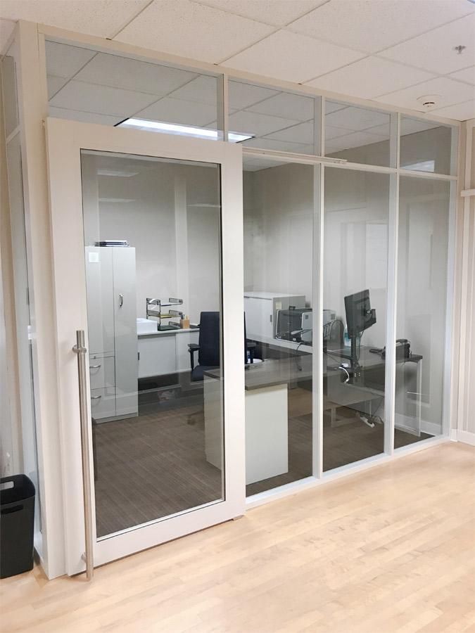 Glass offices NxtWall Flex Series - Warm White Aluminum Frame Finish