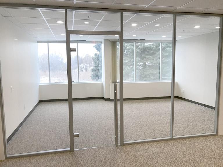 Glass swing door Flex Series with barpull hardware