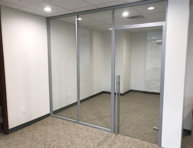 Glass wall office Flex Series financial sector