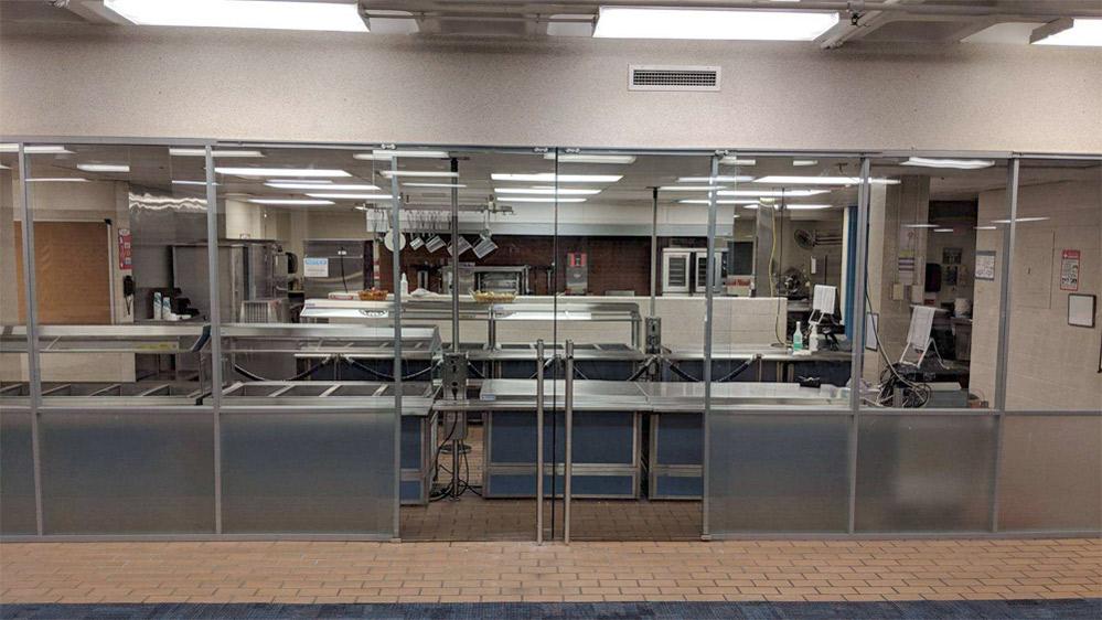 School cafeteria demountable walls Flex Series with locking sliding doors