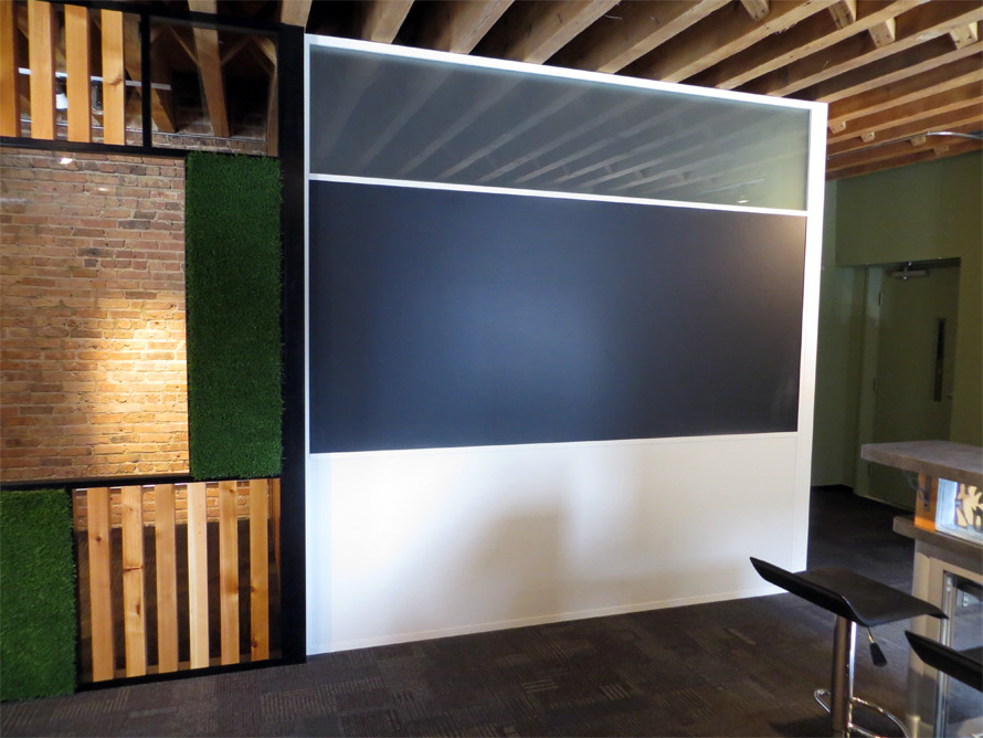White and black aluminum wall finishes
