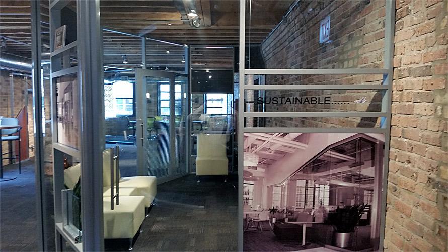 Frameless sliding glass door - Flex wall system