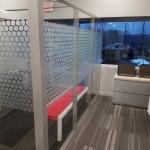 Glass freestanding walls Flex Series with Honeycomb window film - Flex Series