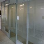 Modern glass office with sliding glass door - Flex series