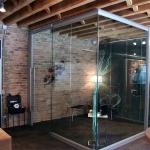 View series frameless glass corner