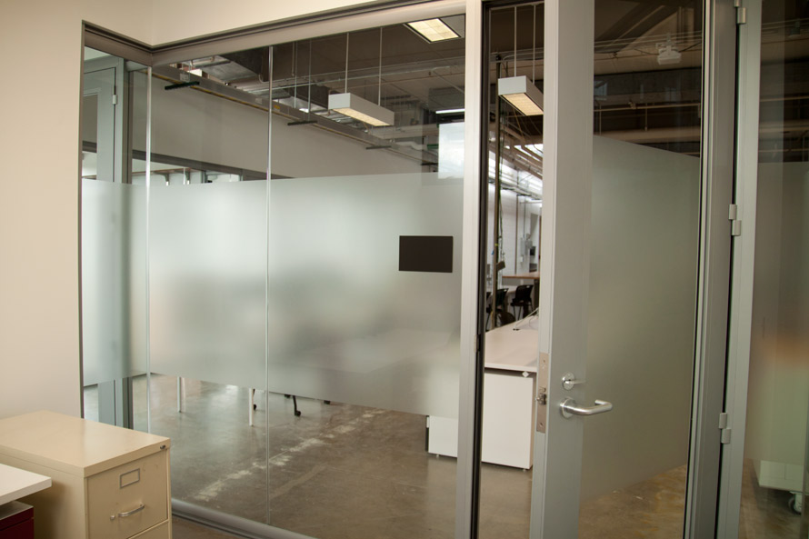 Glass room-divider wall - View Series