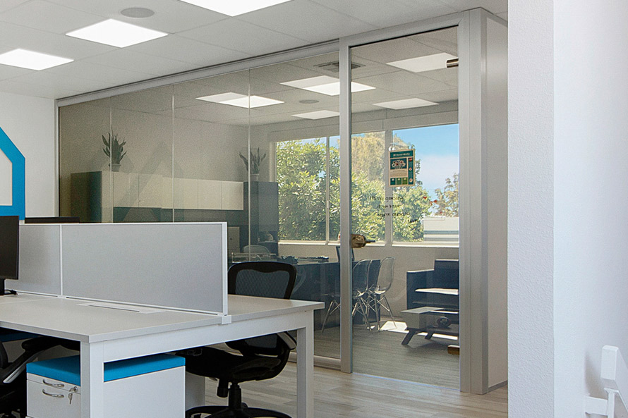View Series Glass Office with Switchable Glass - Clear